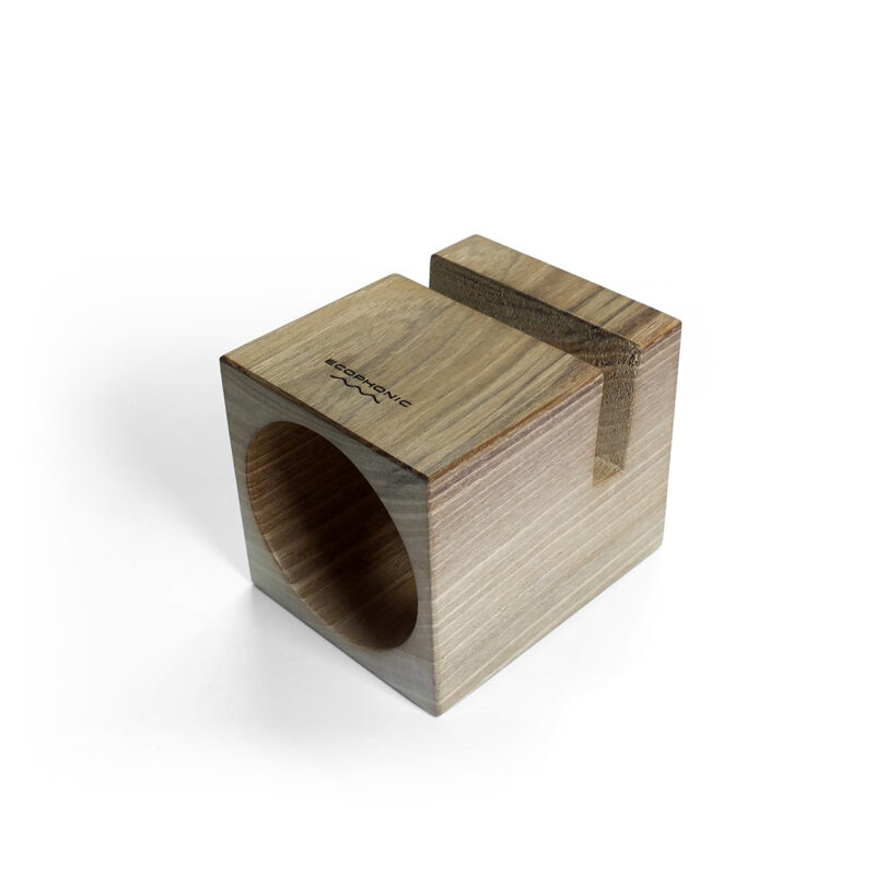 Altavoz UNO en madera de nogal